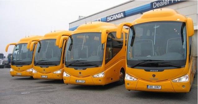 Ve žlutých autobusech z Prahy do Plzně a zpět zavádí od středy samoobslužný servis