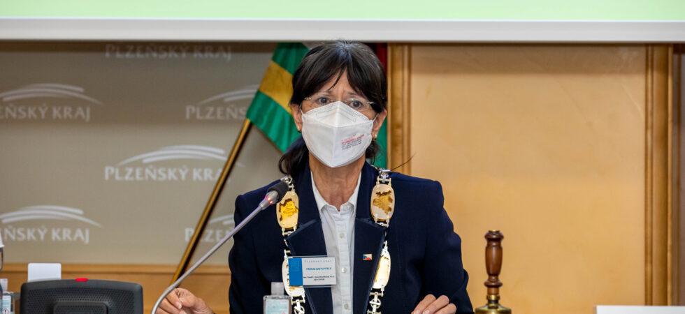 Hejtmankou je Ilona Mauritzová. V radě kraje bude mít sedm náměstků