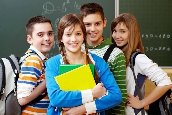 Žáci druhých stupňů v Plzeňském, Karlovarském a Královéhradeckém kraji jdou do školy 3. května